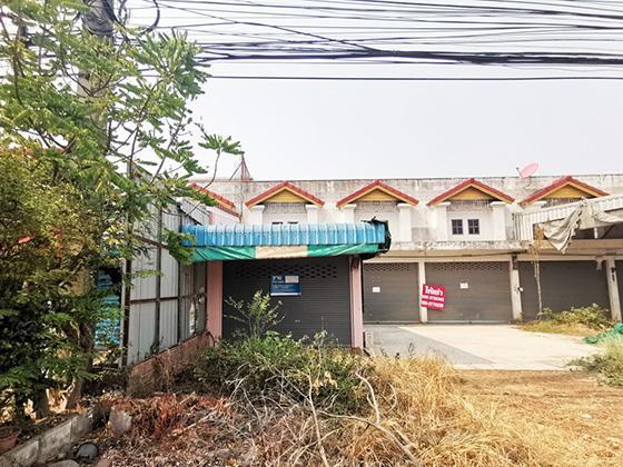 อาคารพาณิชย์หลุดจำนอง ธ.ธนาคารทหารไทย สุโขทัย กงไกรลาศ บ้านกร่าง