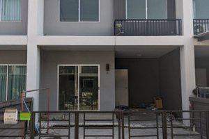 ทาวน์เฮ้าส์หลุดจำนอง ธ.ธนาคารไทยพาณิชย์ กรุงเทพมหานคร เขตบางขุนเทียน เลียบวงแหวนรอบนอกด้านใต้ท่าข้าม